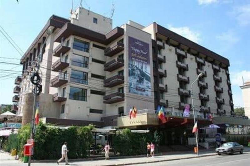 """Cutremur la Hotel """"Rapsodia"""", circulație restricționată pe două străzi, desfășurare de forțe ale ISU. CE se va întâmpla, de fapt"""