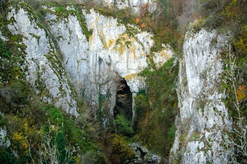 Dacă ai descoperit o peșteră, n-o ține pentru tine! Statul vrea să o declari, altfel te amendează