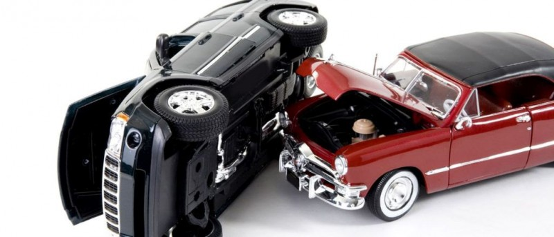 Dacă eşti lovit în trafic poţi folosi o mașină închiriată pe cheltuiala poliței RCA a vinovatului