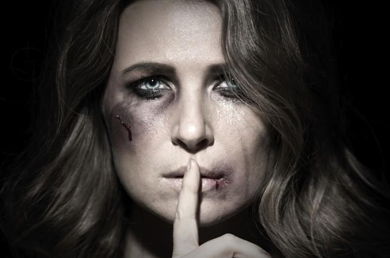 Dacă nu ştii, nu înseamnă că nu se întâmplă! Despre violenţa domestică, între teorie şi practică