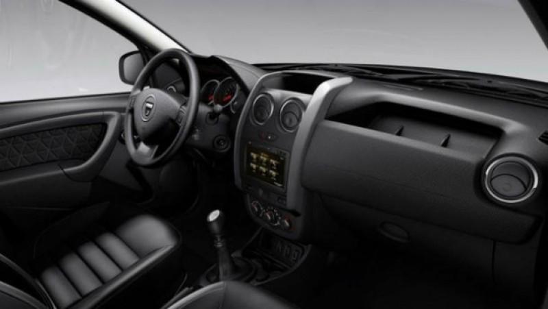 Dacia recheamă în service peste 2.000 de maşini Duster din cauza unor posibile probleme la claxon şi airbag-uri