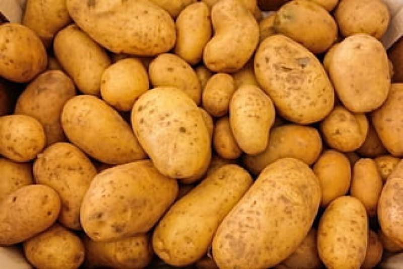 Daea, întrebat de ce a crescut prețul la cartofi: La Bruxelles e de trei ori mai scump!