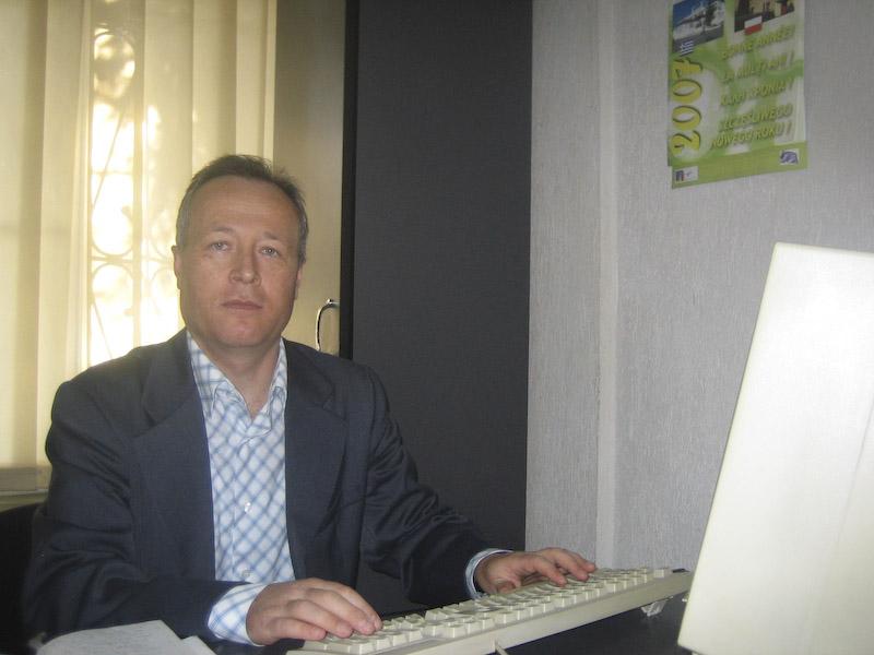 DANIEL BOTEZATU - Un istoric al prezentului, un dascal pentru viitorul tinerilor
