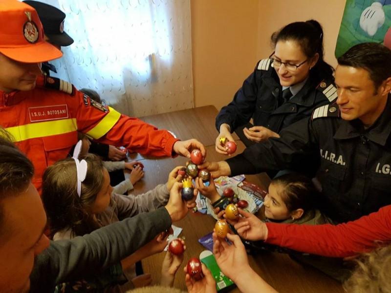 Daruri din suflet pentru suflet: Pompierii botoșăneni, alături de copiii de la Casa Ruxandra! FOTO