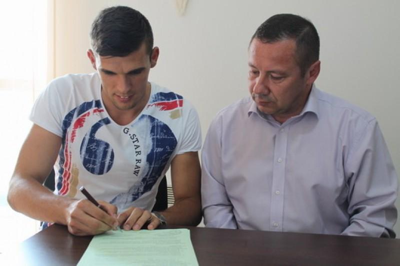 David Lazar si-a prelungit contractul cu Pandurii Targu Jiu!