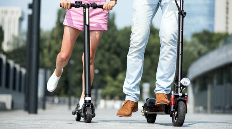 De astăzi, circulaţia trotinetelor pe trotuar este interzisă. Ca să fii la ghidon, trebuie să ai minim 14 ani!