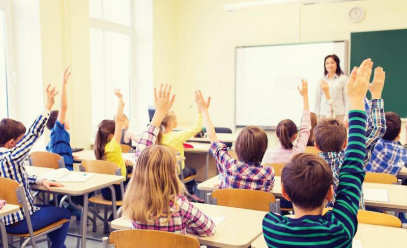 De astăzi elevii pot pune note profesorilor! Fișa de feedback a elevilor a fost publicată în Monitorul Oficial