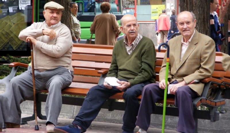 De astăzi pensionarii cu stagiu incomplet de cotizare îşi pot cumpăra vechime
