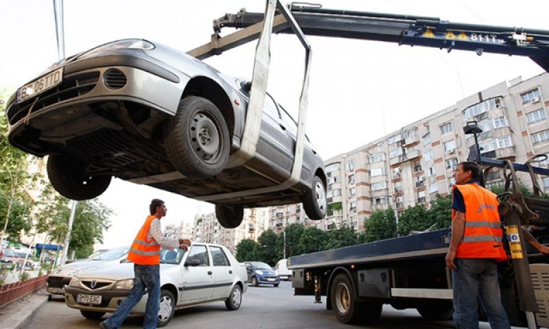 De astăzi, polițiștii locali pot ridica mașinile staționate aiurea pe domeniul public