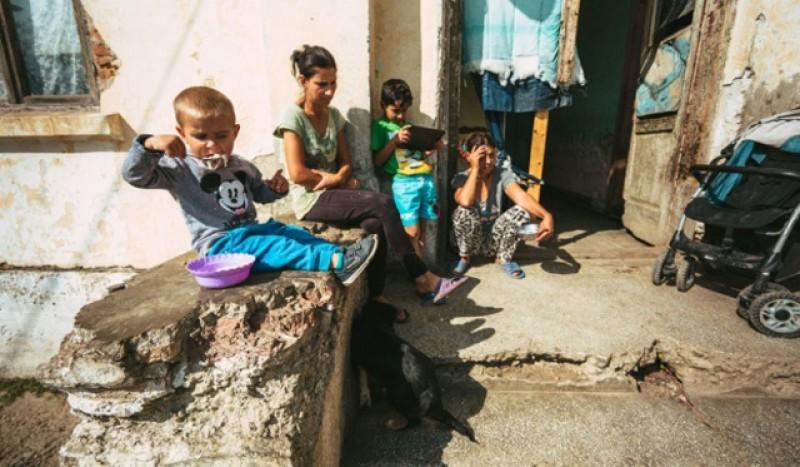 Studiu: În mediul rural un copil din zece se culcă flămând