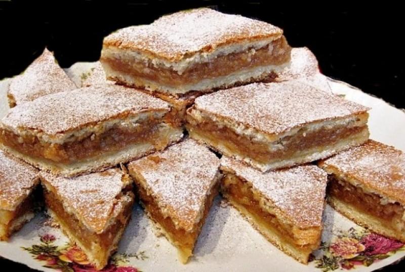 De sezon - Prăjitura cu mere după rețeta bunicii: simplă și delicioasă