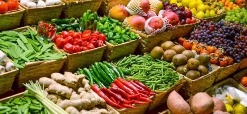 De unde mănâncă legume și fructe România – țara cu două treimi din suprafață teren agricol