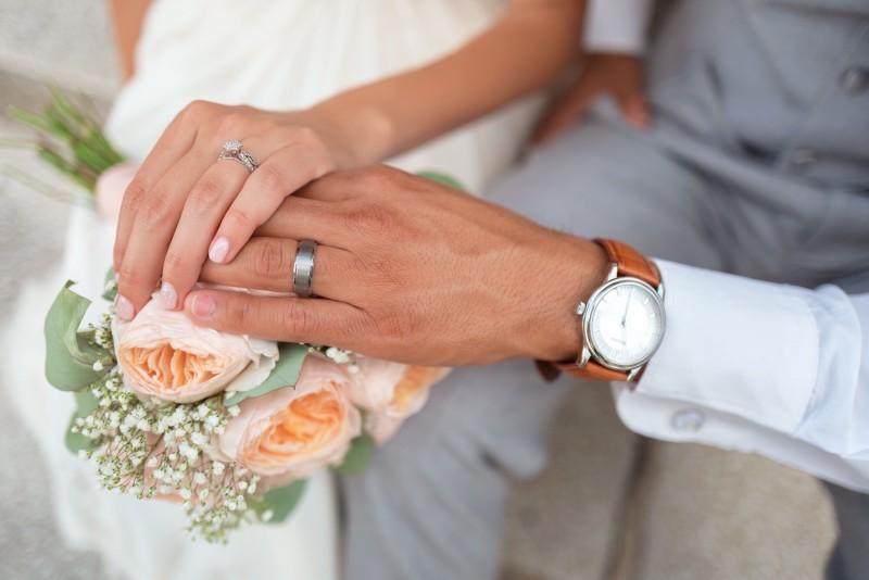 Decalaje demografice: Femeile din Bucureşti se căsătoresc prima dată la 33 de ani, iar cele din Botoşani la 26 de ani
