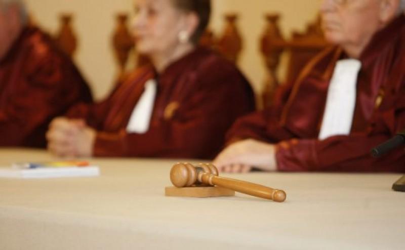 Decizie importantă luată de CCR: Ce se întâmplă cu vârsta de pensionare în cazul femeilor