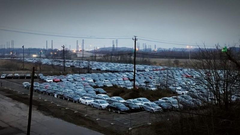 Decizie surprinzătoare: o țară din Estul Europei interzice înmatricularea mașinilor pe benzină și motorină