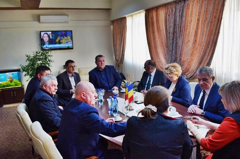 Delegație din Republica Moldova, la Consiliul Județean. La întâlnire a participat și șeful Poliției - FOTO
