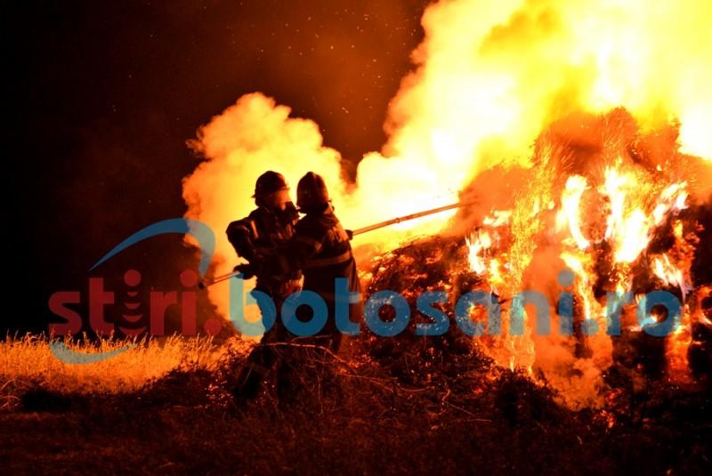 Depozit de furaje mistuit de flăcări, într-un incendiu pus intenționat!