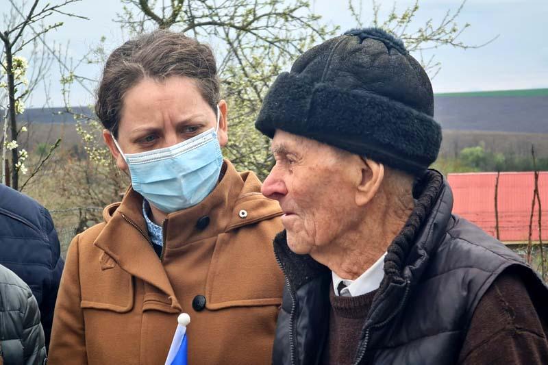 Deputatul PSD Alexandra Huțu: Veteranii de război sunt eroii de lângă noi, sunt purtători de medalii, dar și de răni și suferințe!