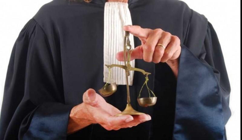 Amintiri din justiție: Despre avocați și politică…