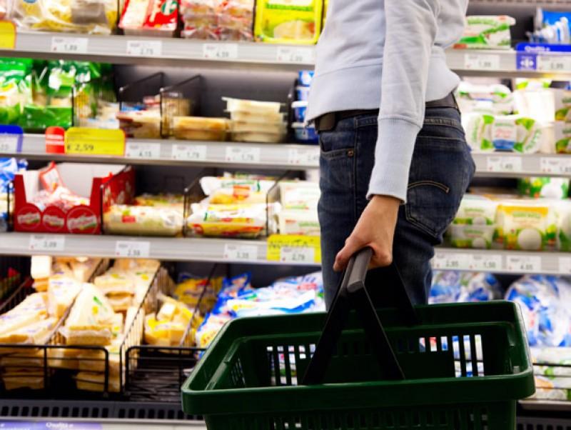 Diferenţe între valorile de pe etichetele din vestul şi estul Europei. Ministerul Agriculturii a identificat nouă produse alimentare cu standarde duble calitativ în România şi UE