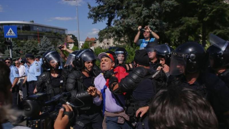 DIICOT clasează parțial dosarul 10 august: Nu a fost tentativă de lovitură de stat. Foștii șefi ai Jandarmeriei, scoși de sub urmărire