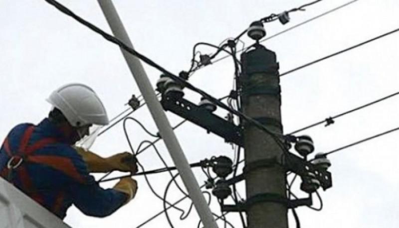 Din cauza avariilor la rețelele de curent electric, școlile din Adășeni, Avrămeni și Manoleasa au fost închise