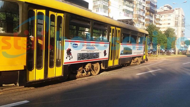 Din tramvai, direct în ambulanță!