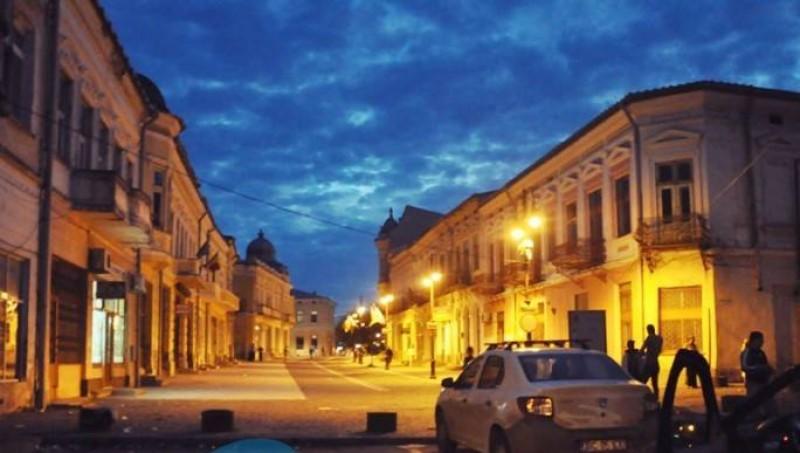 Distracție nocturnă în Centrul Vechi, întreruptă de jandarmi