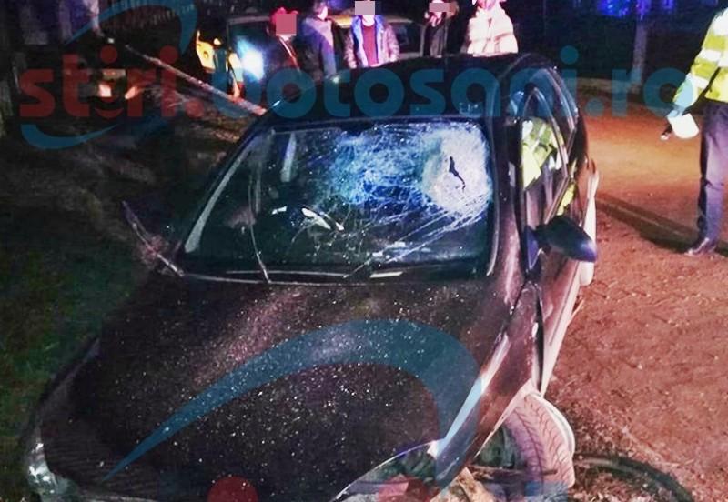 Distracție terminată la spital pentru trei tineri! Mașina, condusă de un șofer băut, a intrat într-un cap de pod! FOTO