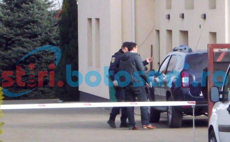 DNA loveşte din nou: Percheziţii la o firmă din Botoșani, într-un dosar de corupţie! FOTO