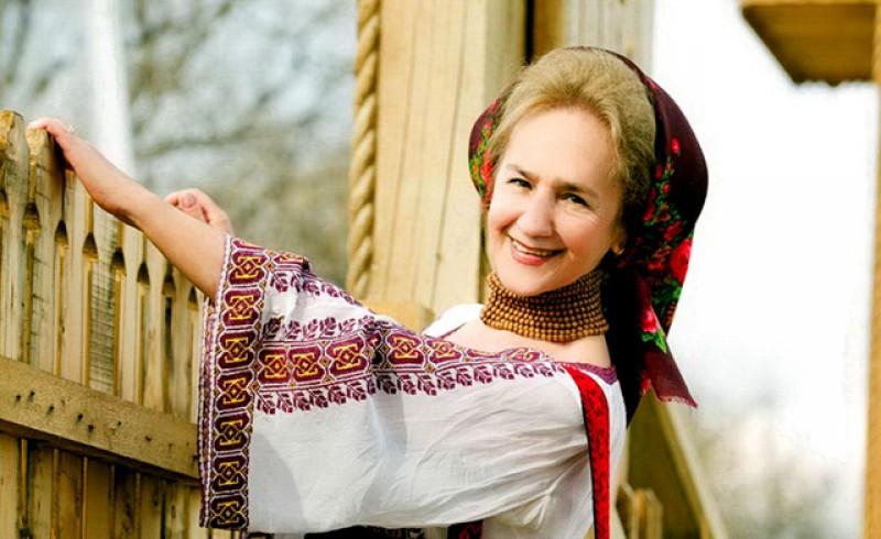 Doamna cântecului popular românesc a împlinit astăzi 79 de ani. La mulți ani, Sofia Vicoveanca!