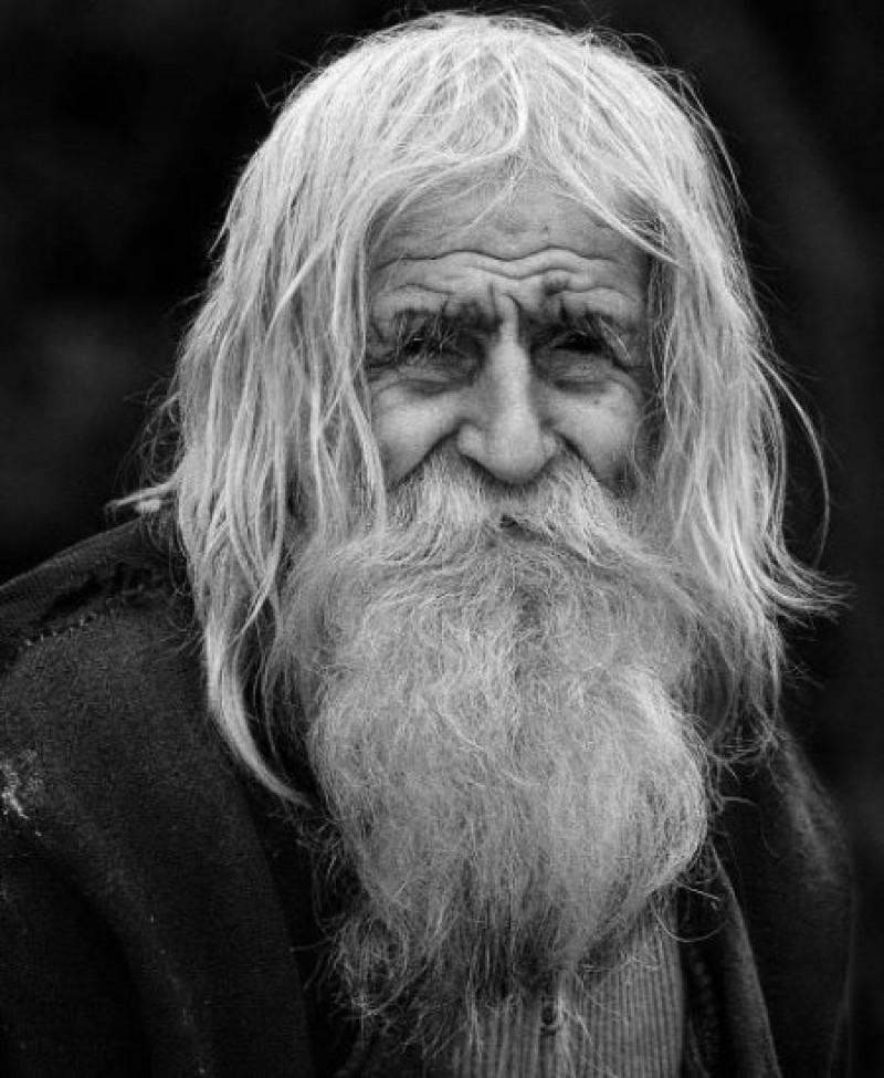 Dobri Dobrev, sfântul cerșetor, a murit astăzi, la 103 ani! FOTO, VIDEO