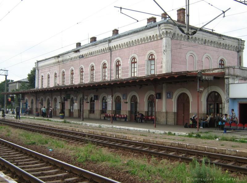 Doi bărbați au fost reținuți, după ce au furat un rucsac uitat în gară