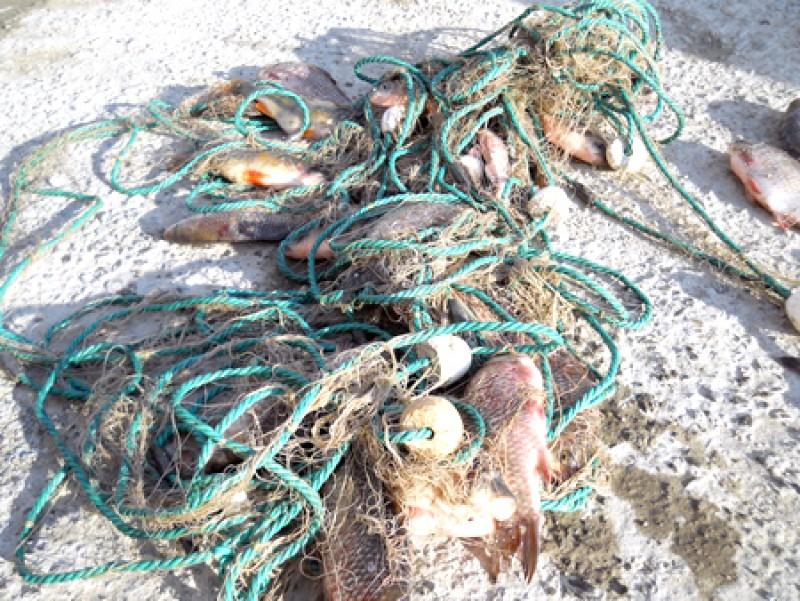 Doi barbati din Tudora, prinsi la pescuit cu unelte ilegale!
