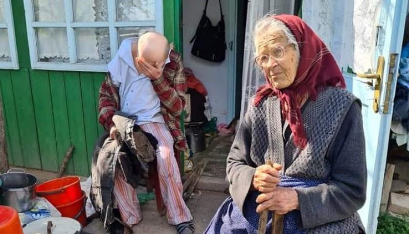 Doi bătrâni dintr-o localitate din Botoșani au nevoie disperată de ajutor