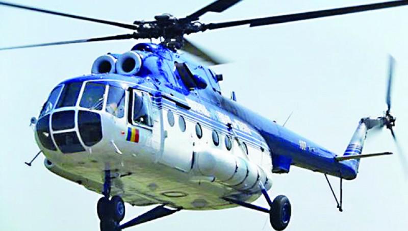 Doi bătrâni în comă transportați cu elicopterul MAI la Iași