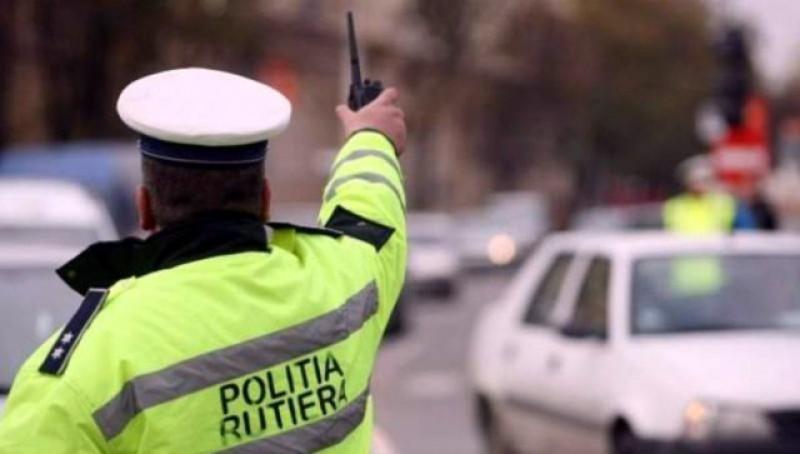 Doi botoşăneni de 49 şi 50 de ani s-au ales cu nu mai puțin de şapte dosare penale după o plimbare cu mașina