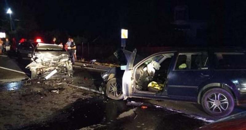 Doi morţi şi patru răniţi în urma unui accident făcut de un botoșănean la Ilișești, Suceava