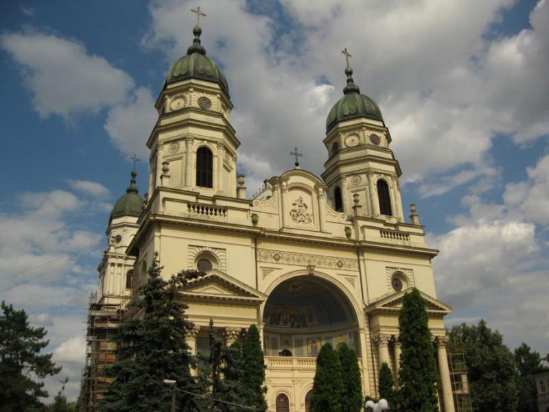 Doi noi sfinţi vor fi propuşi de către Mitropolia Moldovei și Bucovinei!