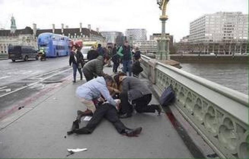 "Doi romani raniti in atacul de la Londra: Erau turisti, starea femeii e ""relativ critica"""