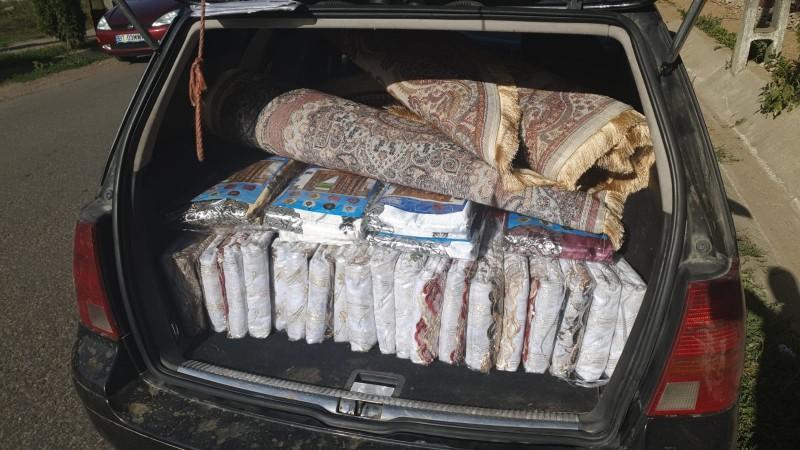 Doi tineri voiajori au rămas fără perdele și covoare, aduse din cealaltă parte a țării pentru a fi vândute în Botoșani
