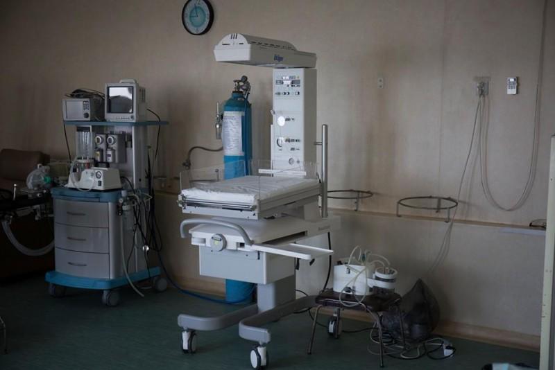 Donație de 12.000 de euro pentru dotarea Maternității din Botoșani, județul cu cea mai mare rată a mortalității infantile din țară