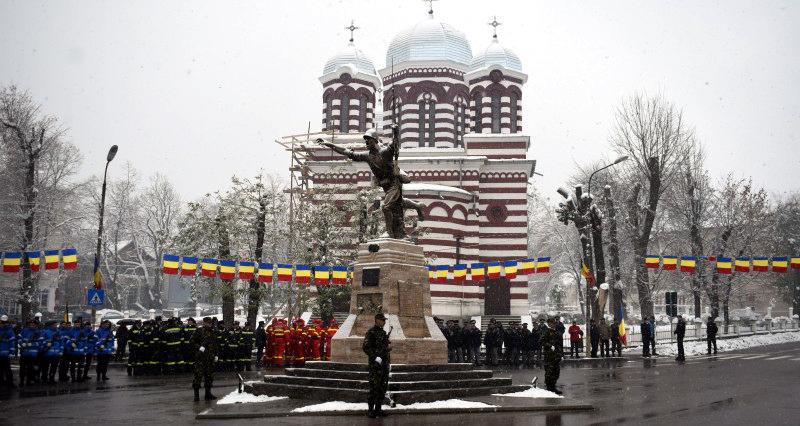 Dorohoienii se pregătesc să marcheze Ziua Naţională a României