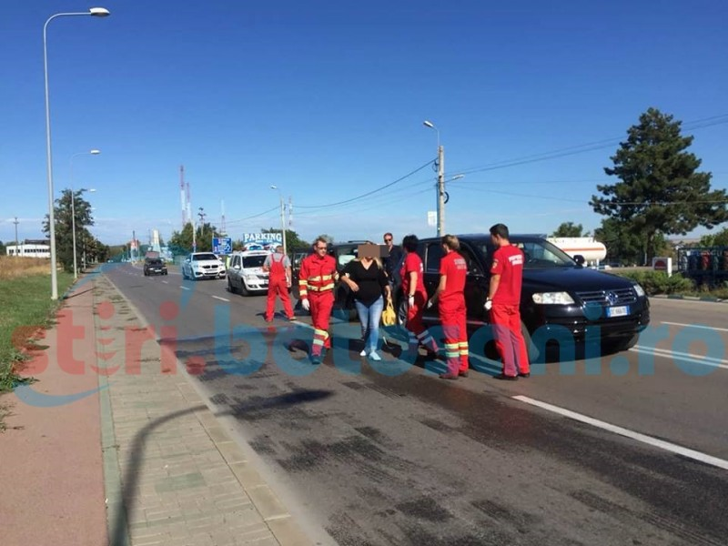 Două mașini de teren s-au ciocnit la ieșirea spre Iași! FOTO