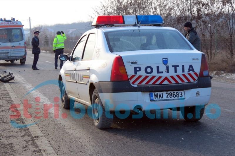 Două mașini s-au izbit frontal la Dumbrăveni. Ambii șoferi sunt din Botoșani!