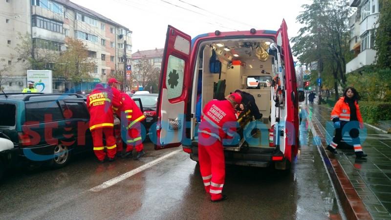 Două persoane au ajuns la spital, după un accident cu trei mașini implicate! FOTO, VIDEO