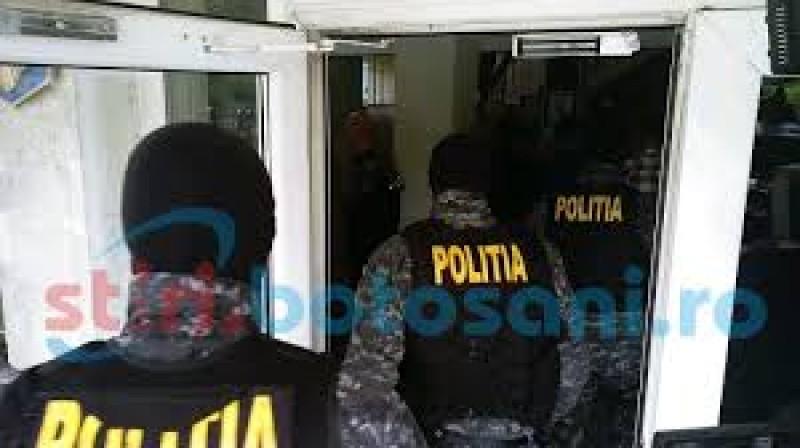 Două persoane duse la audieri, în urma perchezițiilor efectuate miercuri dimineața. Ce au găsit polițiștii!