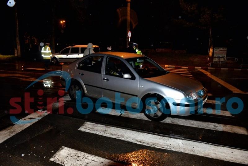 Două persoane lovite de o mașină pe trecerea de pietoni! FOTO