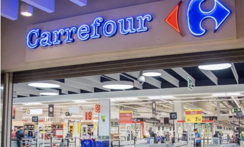 Două supermarketuri Carrefour, cu propunere de închidere! Nereguli cu duiumul, de la data limită de consum depăşită și până la peşte alterat, descoperite de controalele ANPC!