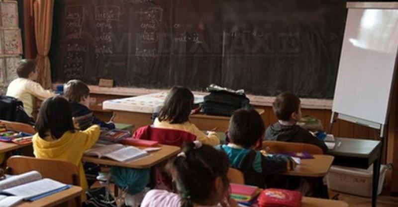 Dragi pensionari, nu mai distrugeți învățământul românesc!